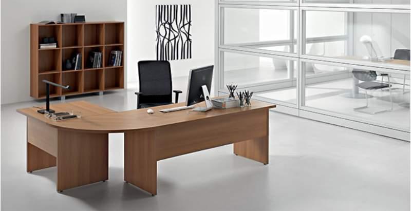 Arredamento e design portalinus for Scrivanie ufficio on line