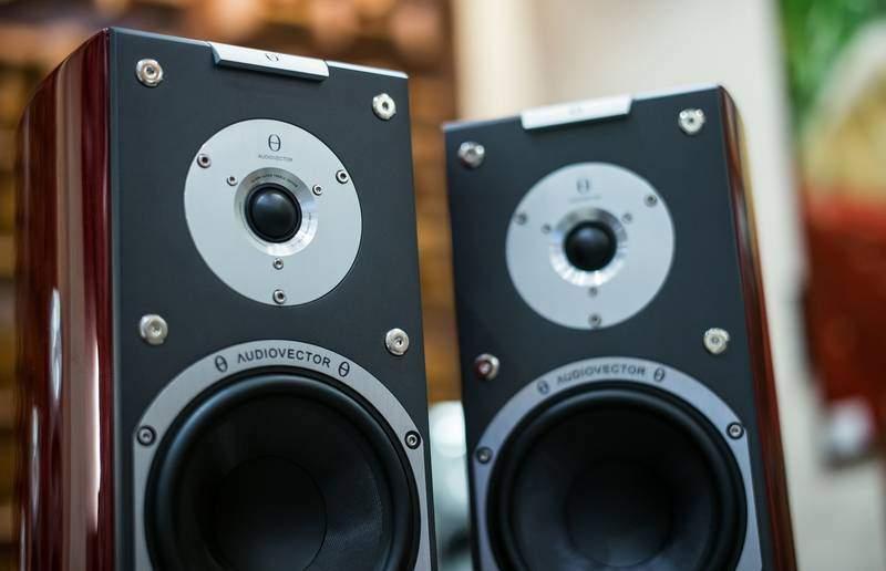 casse-audio-in-legno-lucido