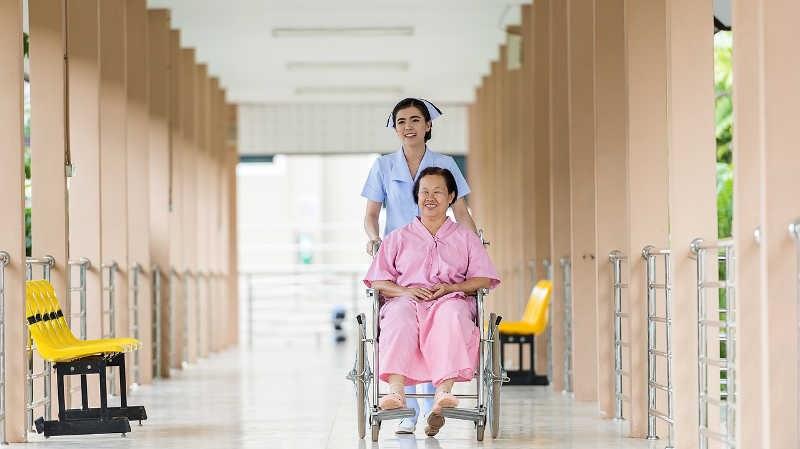 Il ruolo fondamentale che un operatore sociale assistenziale svolge