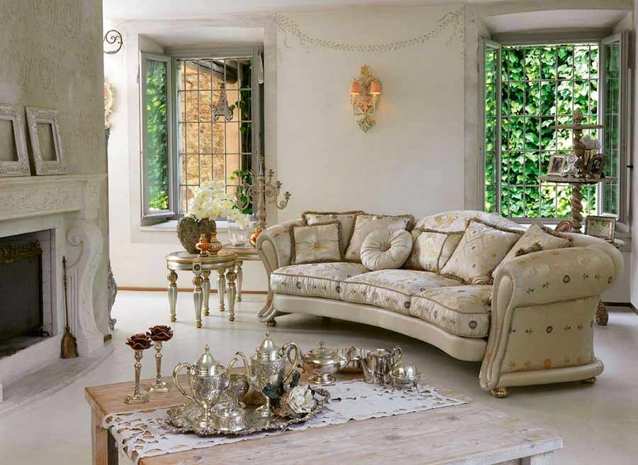 Poltrone e divani in velluto e il suo lussuoso fascino