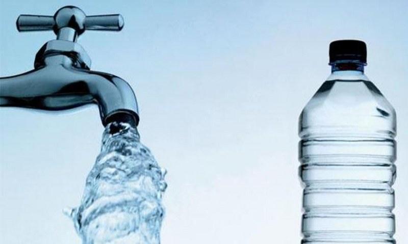 acqua-in-bottiglia-rubinetto-
