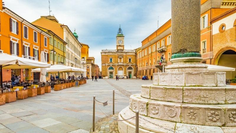 ravenna-per-dante-piazza_800x450