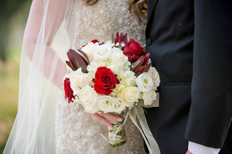 Bouquet Sposa Di Carta.Bouquet Da Sposa Con I Fiori Di Carta Perche Preferirli Portalinus