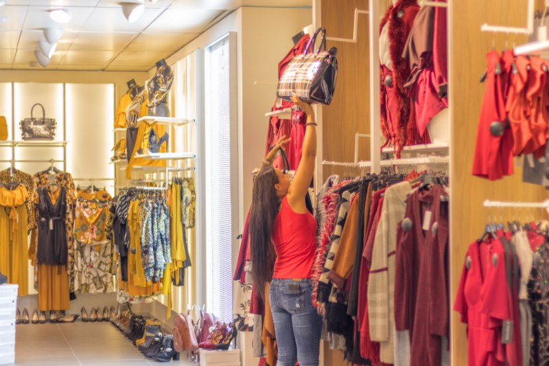 Come arredare un negozio di abbigliamento con i consigli dell'esperto